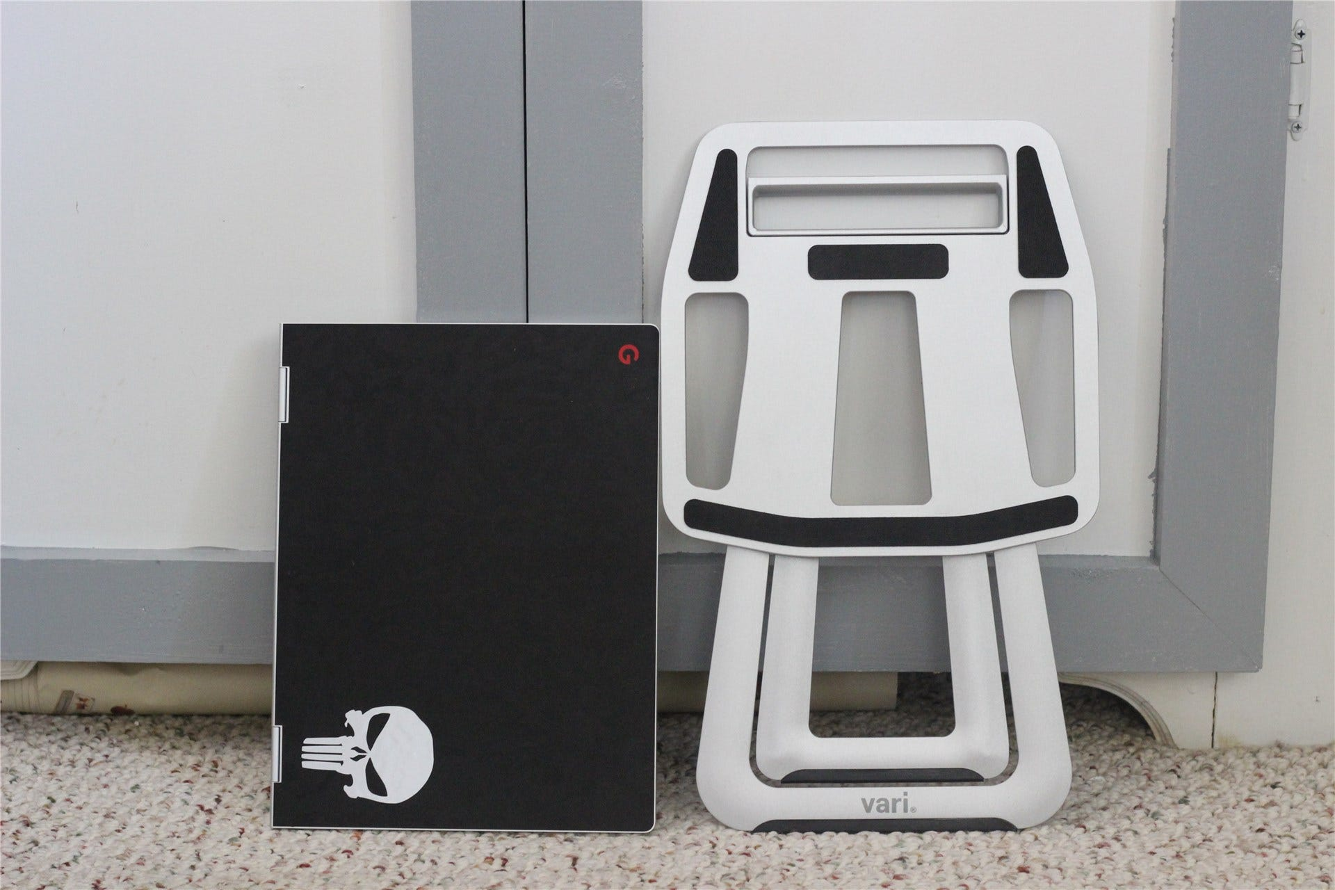 VariDesk 便携式笔记本电脑支架评论:时尚、纤薄、便携的站立式办公桌
